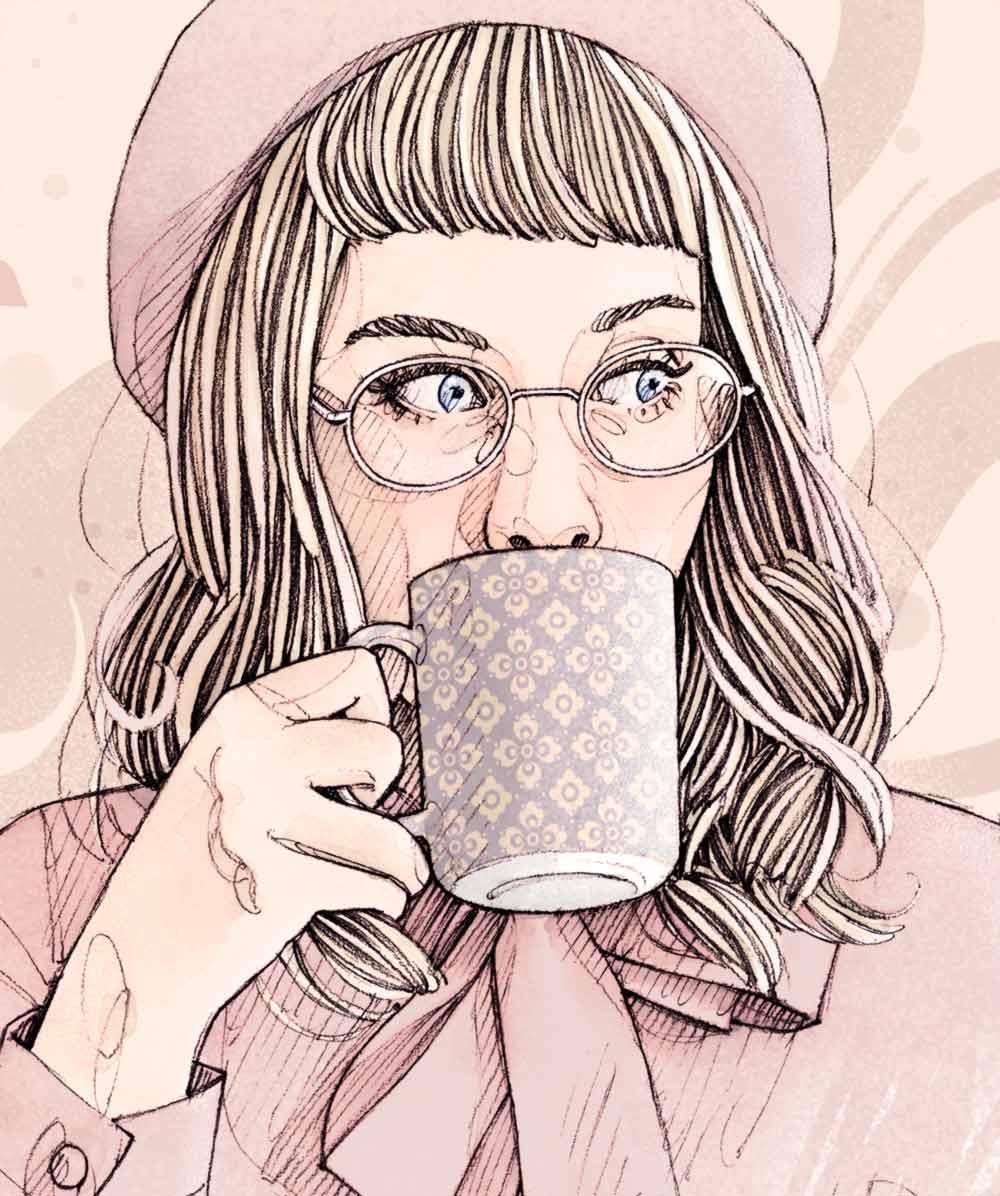 Femme à lunettes buvant dans une tasse